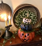 Handmade Carved Triple Pumpkin Stack Lights Up 14