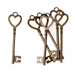 Vintage Look Skeleton Keys Set of 6 Heart Shaped
