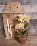 Primitive Potted Mum 13