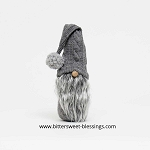 HANZ GNOME WITH GREY SWEATER 17