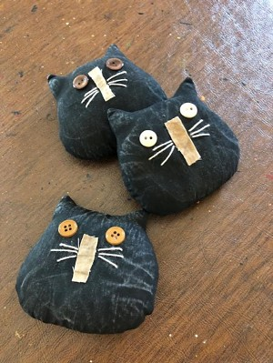 Handmade Set of 3 Black Cats