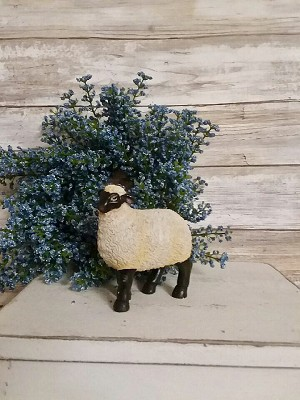 Sheep Resin Figure 3.5' Wide